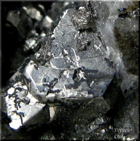 カロール鉱_コンゴ2アップ1