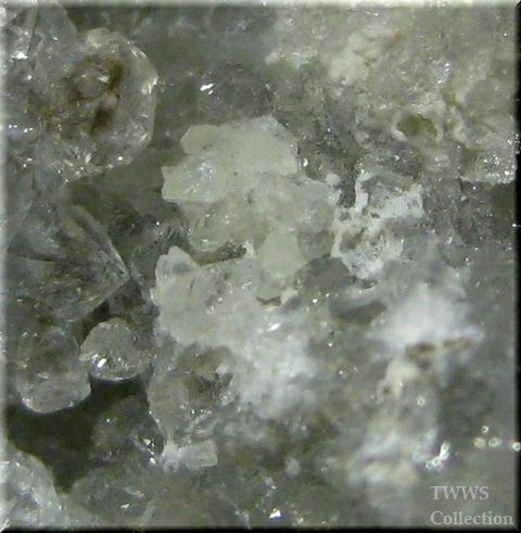 ウェロガン石&ストロンチアン石_カナダ1アップ7