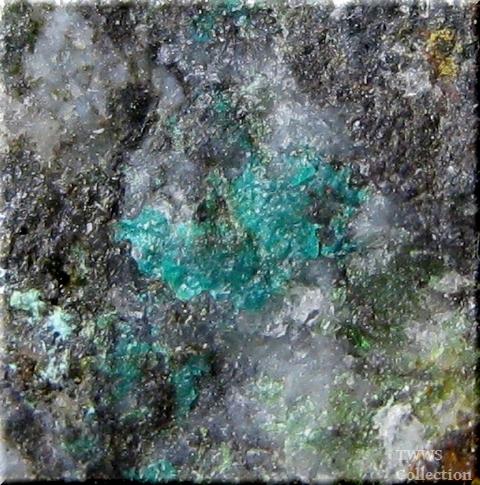 燐銅鉱_ポルトガル1アップ2