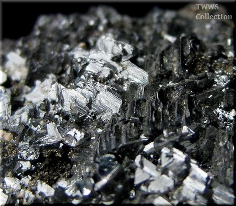 安四面銅鉱&黄鉄鉱_ルーマニア1アップ