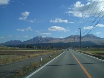 20121117073312阿蘇山初雪