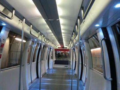 チューリッヒ空港の地下鉄車内