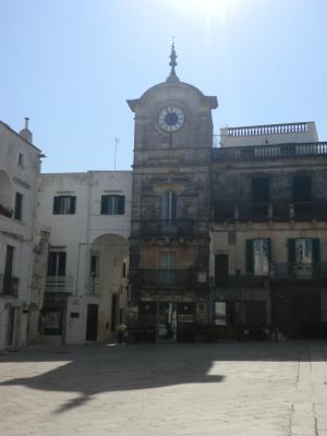 チステルニーノの広場