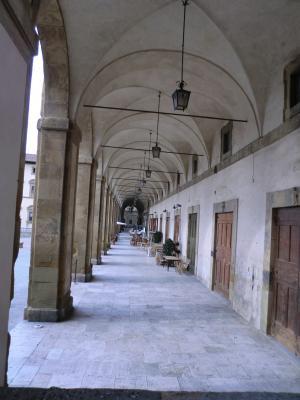 アレッツォ グランデ広場の回廊