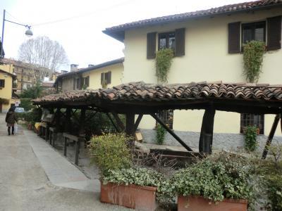 ミラノ ナヴィリオ地区の昔の洗濯場跡