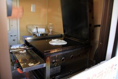 2010-06-03_EOS 7D_1833、大阪名物・いか焼き「みなせん」移動販売車、2