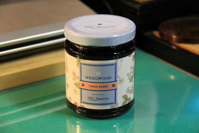 2010_07_08EOS 7D3422、ウェッジウッド「スリー・ベリー・プリザーブ、ワイルドストロベリー」、苺・木苺・黒すぐり、ゲル化剤=りんご由来ペクチン、