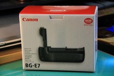 2010_07_08EOS 7D3427、2010.7.8.キャノン「EOS7D用バッテリーグリップ、BG-E7」、1