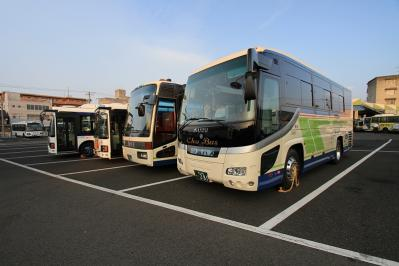 2010_08_21EOS 7D5678、2010.8.21.中国バス本社・福山営業所、車庫、「ラインナップ1」、4