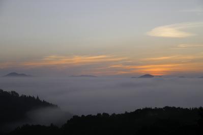 2010-09-03_EOS 7D_4488、2010.9.3.、神石高原町永野・雲海の里、「雲海と日の出」、2、ノスタルジック、