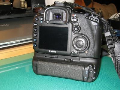 、2010.7.8.キャノン「EOS7D用バッテリーグリップ、BG-E7」、3