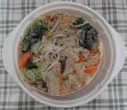 冷凍の具材はお野菜たっぷり。(具が分かるように冷凍の具を裏返して写真を撮りました。)
