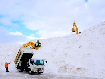 雪たい積場