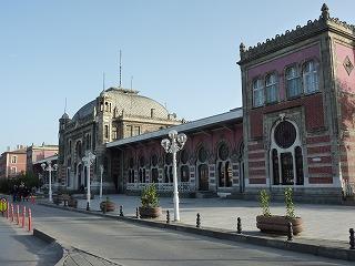 スィルケジ駅