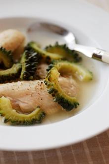 ゴーヤと鶏手羽先のスープ煮
