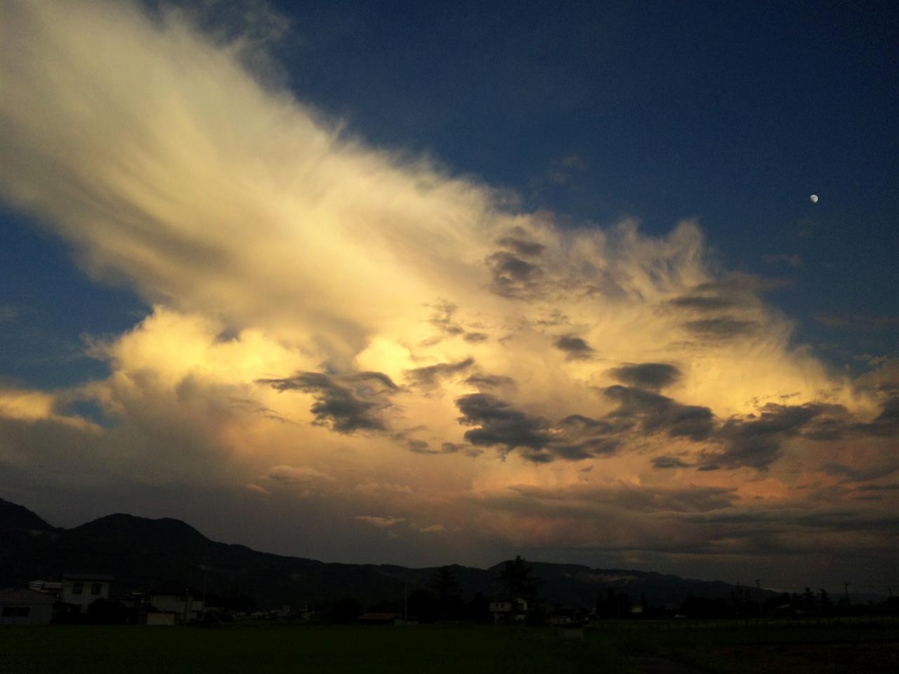 減衰期のかなとこ雲
