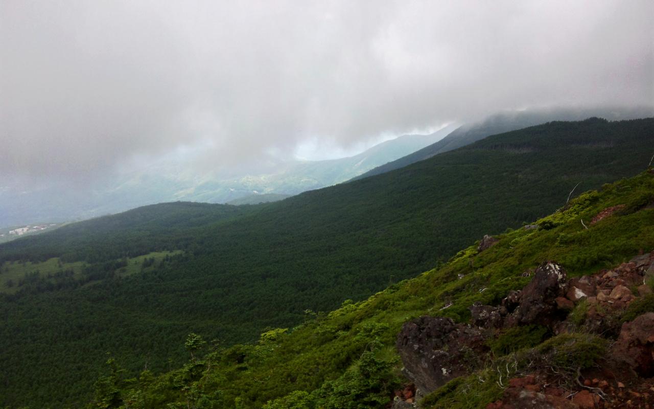 茶臼山山頂展望台より