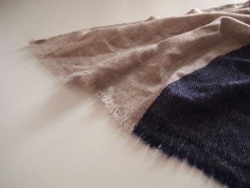 手織り幅広ウールストールストライプベージュネイビー01
