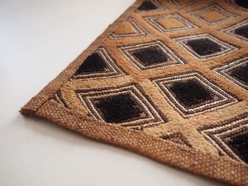 アフリカ民藝幾何学模様古い布クバ布ショワ草ビロード0301