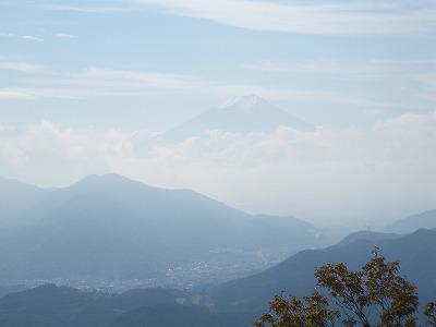 本日の富士山やや雲
