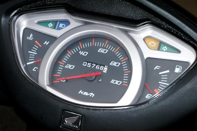 リード110スピードメーター