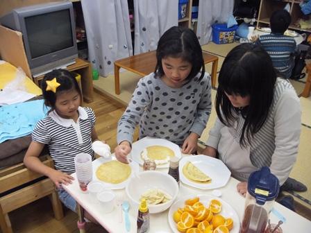 学童クレープ作り
