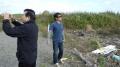 石田さんと平山two勉さん がれきの傍で