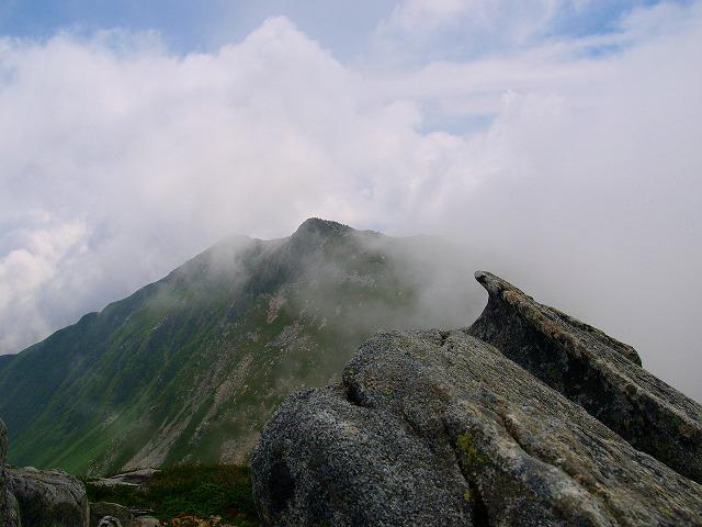 s-iyppP7319213中岳山頂よりーaa
