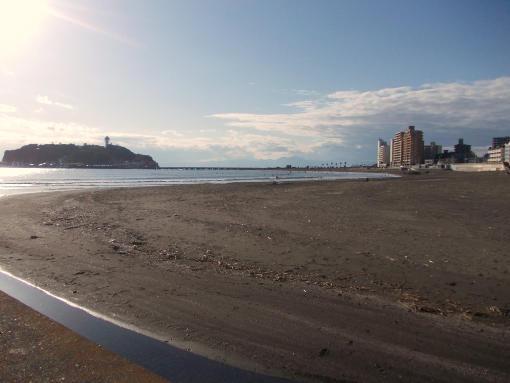 20141207_腰越漁港から江の島を望む