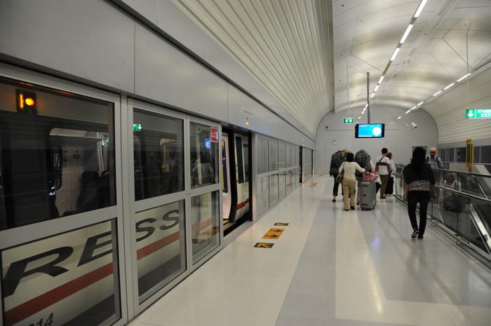 120108_マッカサン駅(1)
