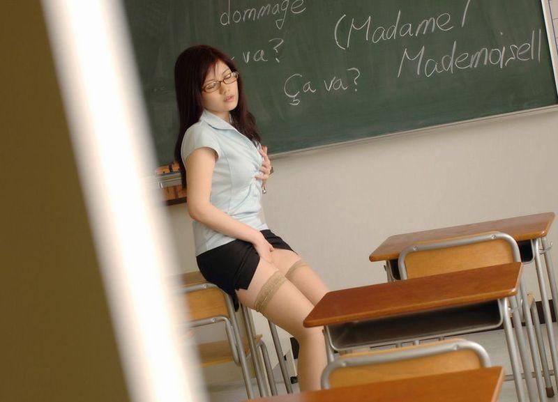 女教師のエロ画像 24