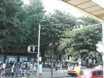 201007 上野駅前 b