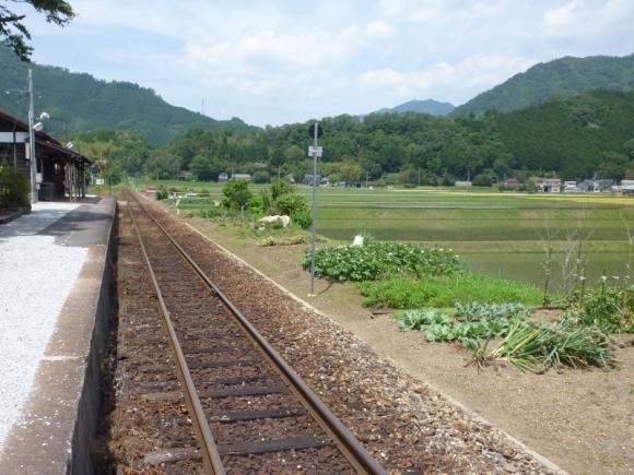 線路と田舎風景