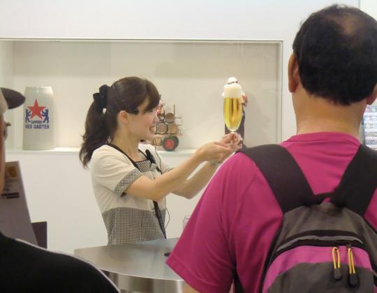 ビール園注ぎ方説明