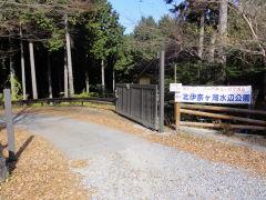 伊奈ヶ湖 駐車場前