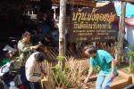 竹垣作り。