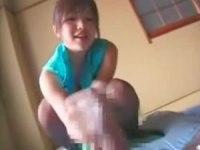 激カワGカップチャイナドレス娘が高速手コキで抜く!