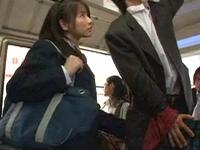 女子校生にバスで痴女られて・・!