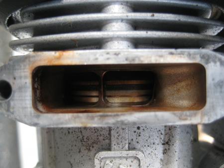 2010.11/07 エンジン内部に赤色