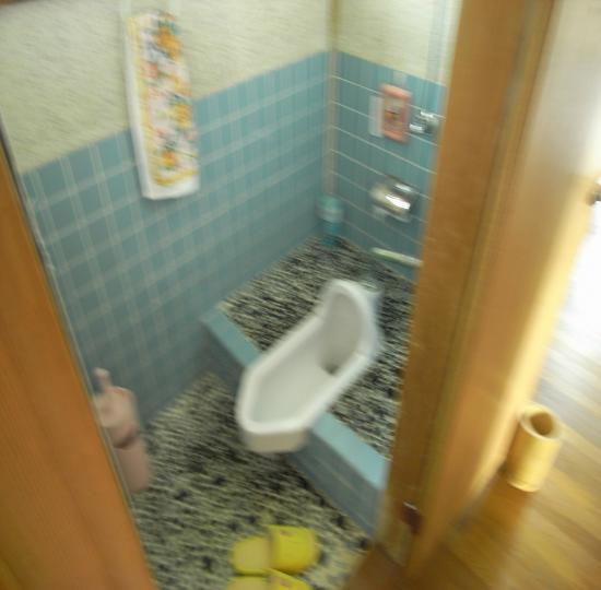 釜井トイレ
