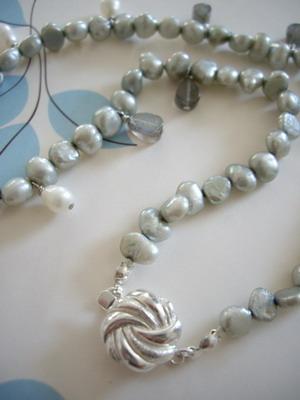 coin pearl & labradorite choker