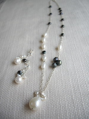 black & white necklace,earrings