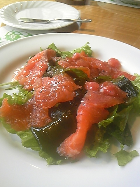 アルプスサーモンのお刺身サラダ