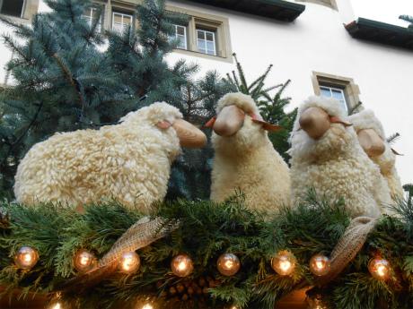 羊の屋根飾り