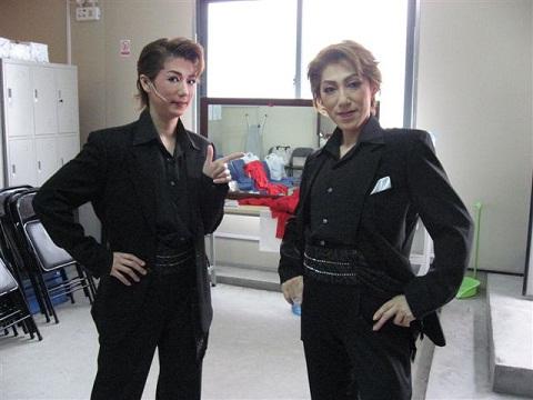 上海 黒服 友麻と安希