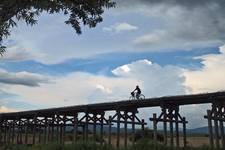 夏・流れ橋01