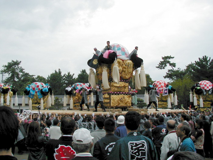八幡神社の松神子太鼓台