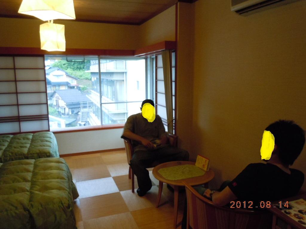 023_20120815204008.jpg