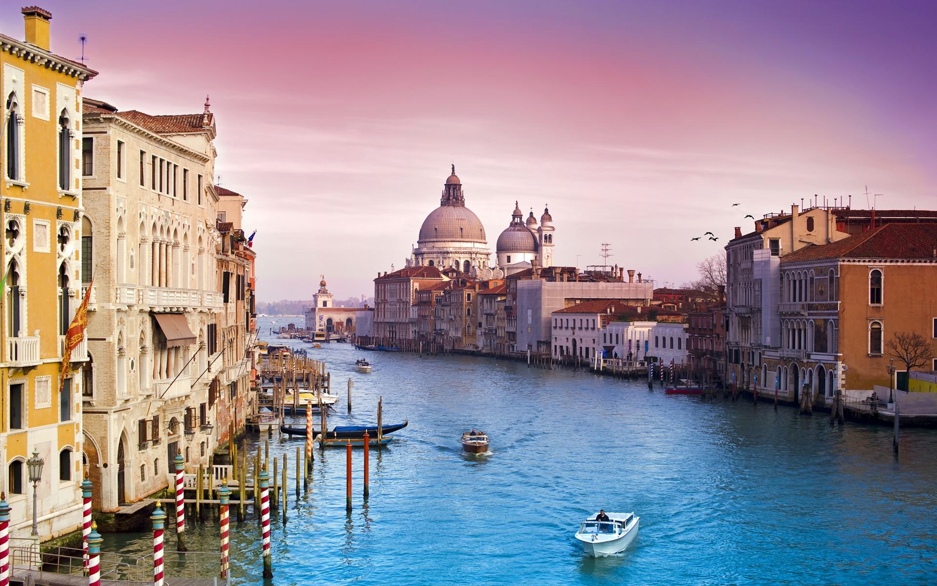Venice-(Italy).jpg