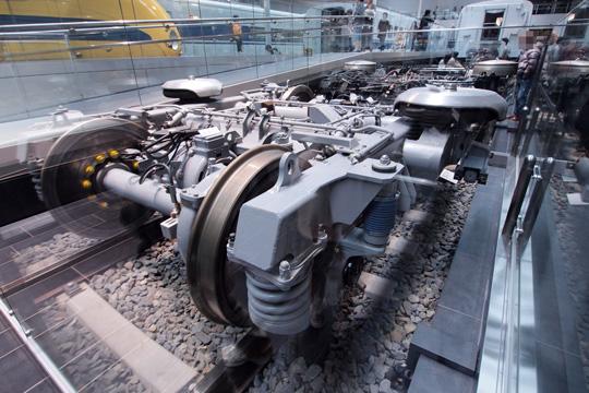 20110402_maglev_rail_park-73.jpg